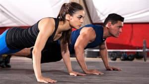 partenaire d'entrainement motivation musculation
