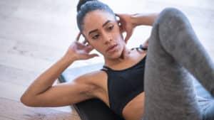 exercice poids de corps abdominaux crunchs