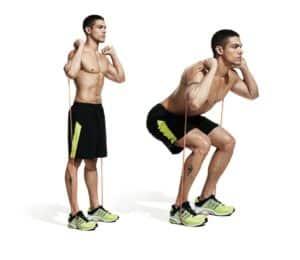 squat avec élastique de musculation