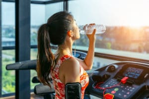 hydratation eau alcaline sportif